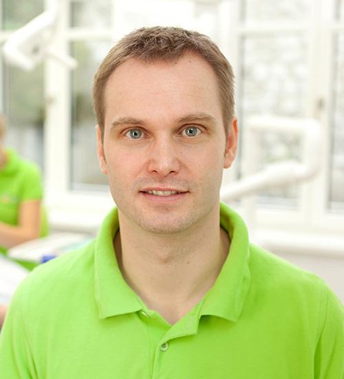 Leitender Zahnarzt der Zahnarztpraxis Zahnwerk Rehbein. Ihre Zahnarztpraxis für Leipheim, Günzburg, Langenau.